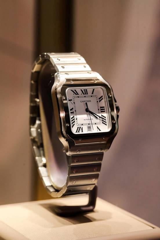 图16:卡地亚作品现场展示全新Santos de Cartier系列腕表